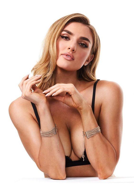 Secret Kisses Luxe Bracelet Cuffs - Gold